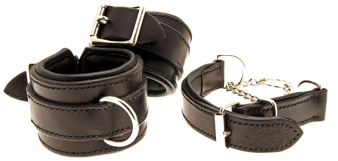 Collars-leather-sm-bdsm