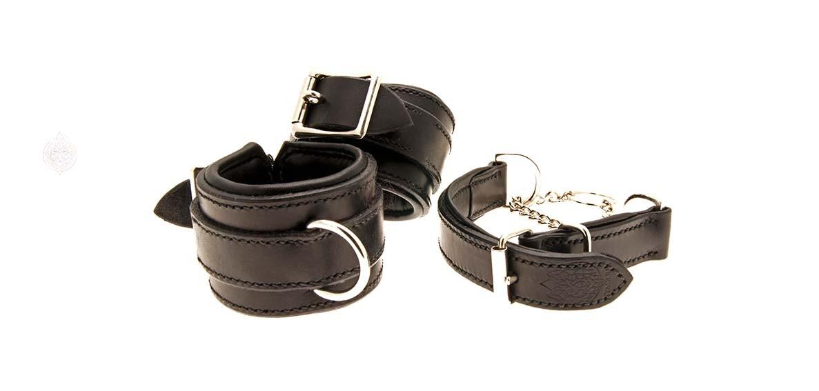 Collars-leather-sm-bdsm